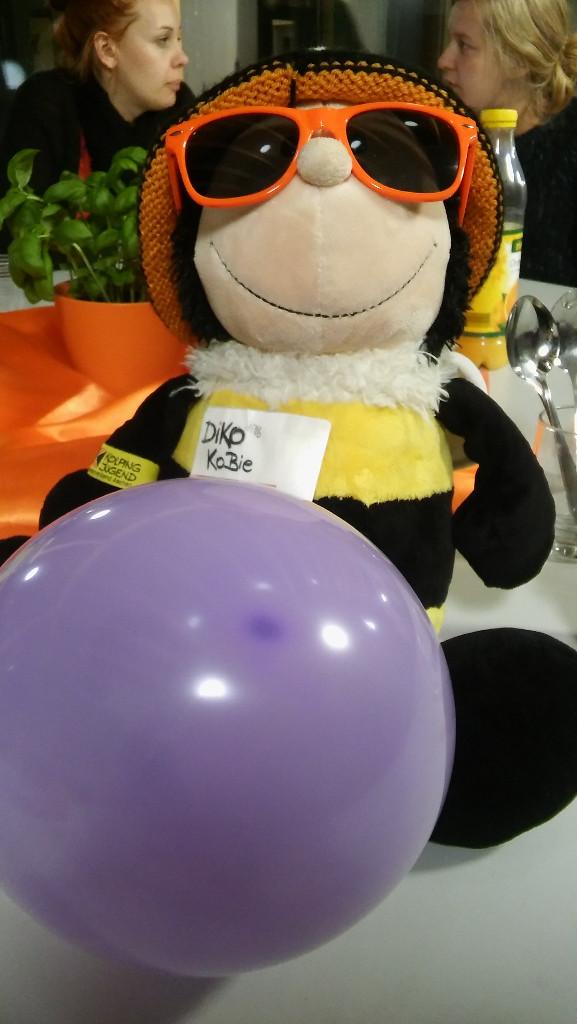 DAK-DL-Klausur oder Von Luftballons und fairer Kleidung