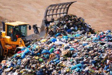 15.30-19 Uhr: Müllsammeln!